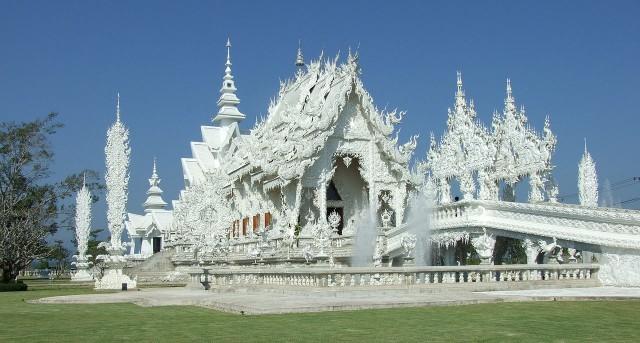 1280px-Wat_Rong_Khun1